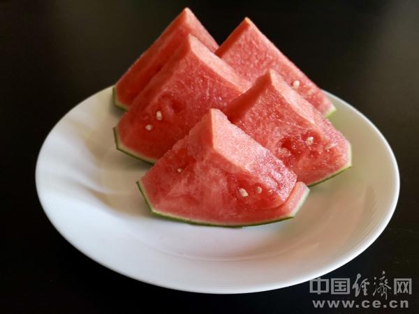 夏季少不了这个水果 但吃起来也有讲究