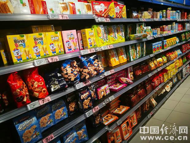 临期食品应按需购买 避免囤积造成食品浪费
